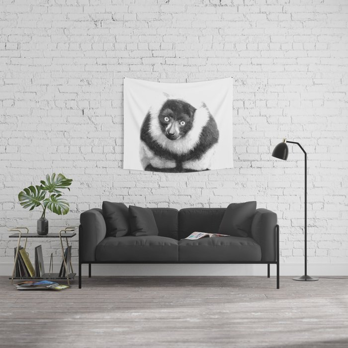 Black and white lemur animal portrait Wall Tapestry