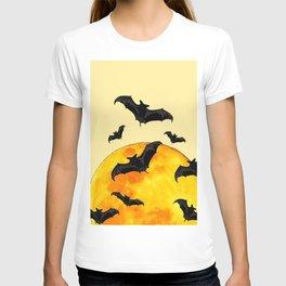 BLACK FLYING BATS FULL MOON ART T-shirt