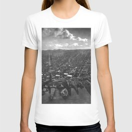 1906 San Francisco in Ruins the Day After the Great Earthquake and Fire black and white photography - photographs T-shirt