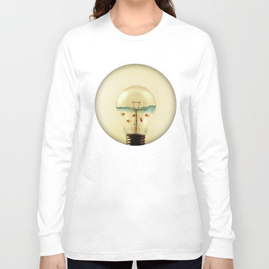 gold fish globe Long Sleeve T-shirt