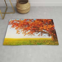 Big Lonely Tree On Meadow In Autumn Ultra HD Rug
