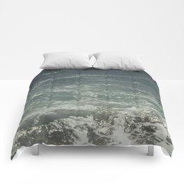 Vagues de Barcelone Comforters