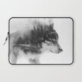 Wolf Stalking Laptop Sleeve
