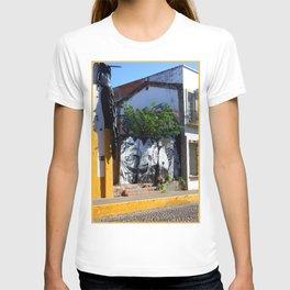 Encantado T-shirt