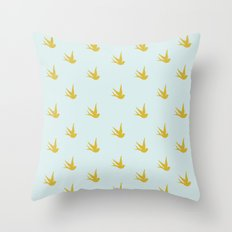 The heart that loves Throw Pillow