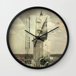 Die Frau im Dom Wall Clock