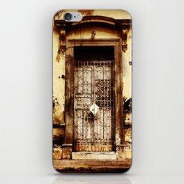 Merida Puerta iPhone Skin