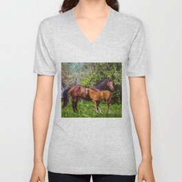 Mother horse with little foal Unisex V-Neck