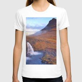 Kirkjufell Mount autumn waterfalls Icelandic landmarks mountains Kirkjufell Iceland Europe T-shirt