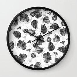 Black roses pattern Wall Clock