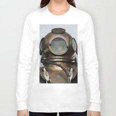 Antique vintage metal underwater diving helmet Long Sleeve T-shirt