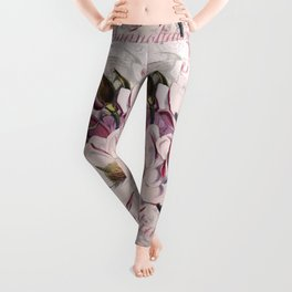 Vintage Magnolia flower illustration Leggings