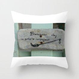 Bienvenus Throw Pillow