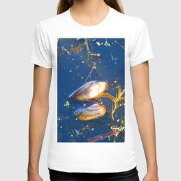 Clams in a Tidal pond T-shirt