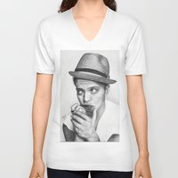 bruno mars V-neck T-shirts featuring Bruno Mars by Pritish Bali