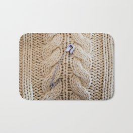Cable Knit Safety Pin Bath Mat