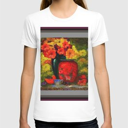 RED-ORANGE AMARYLLIS RED VASE STILL LIFE T-shirt