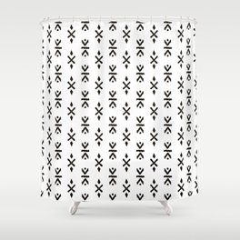 Black and white indian boho summer ethnic arrows Shower Curtain