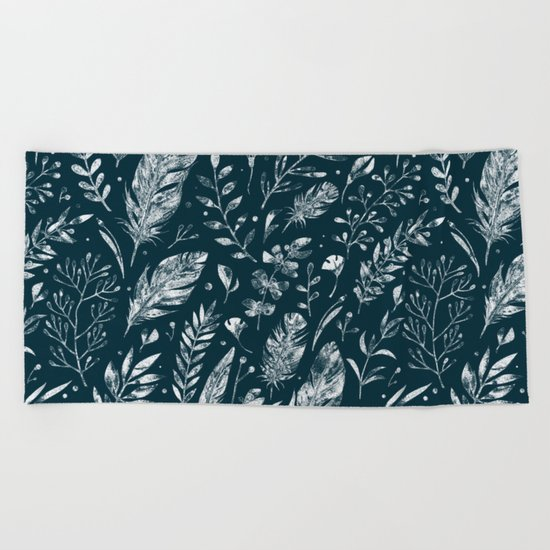 Feathers And Leaves Abstract Pattern Black And White Beach Towel