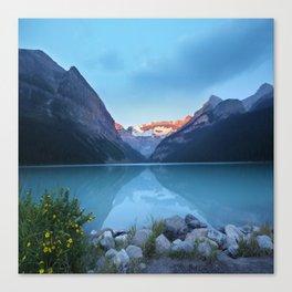 Mountains lake Canvas Print