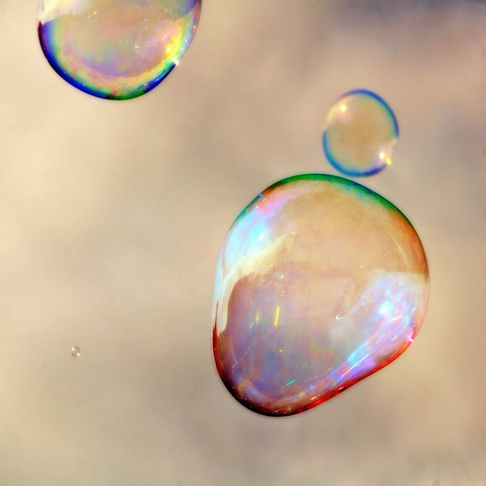 bubbles on the sky Comforters