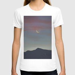 Moon Sunrise And Veleta Mountain. 3,482 meters. T-shirt