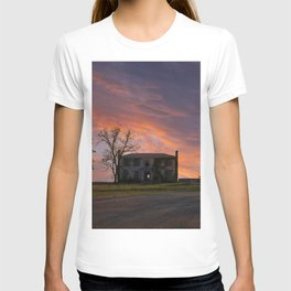 Old House at Sunset T-shirt