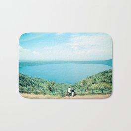 Vista de Laguna de Apoyo, Catarina, Nicaragua Bath Mat