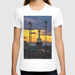 Maryport Lighthouse At Sunset T-shirt