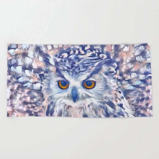 Fluffy owl Beach Towel