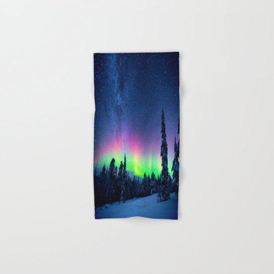 Aurora Borealis Over Wintry Mountains Hand & Bath Towel