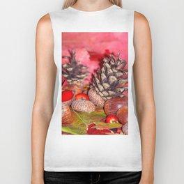 Hazelnuts in arbores autumnales Biker Tank