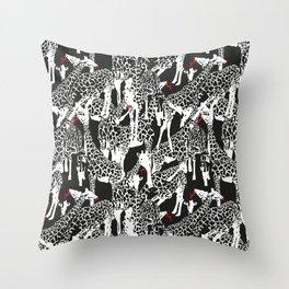 GIRAFFE / pattern pattern Throw Pillow