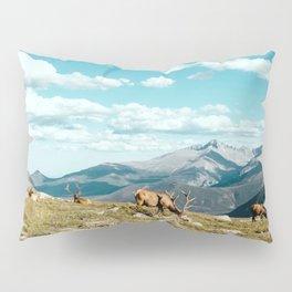 MOUNTAIN DEER RELAXING Pillow Sham