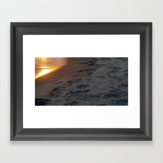 sunset sandpiper Framed Art Print
