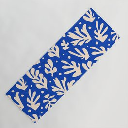 matisse pattern with leaves in blu Yoga Mat