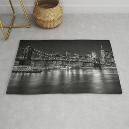 MANHATTAN SKYLINE & BROOKLYN BRIDGE Nightly Impressions | Monochrome Rug