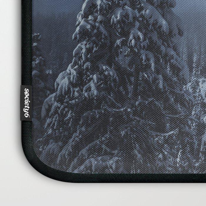 Moody Skies - Mount Rainier National Park Laptop Sleeve