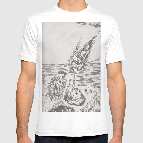 angel on rocks T-shirt
