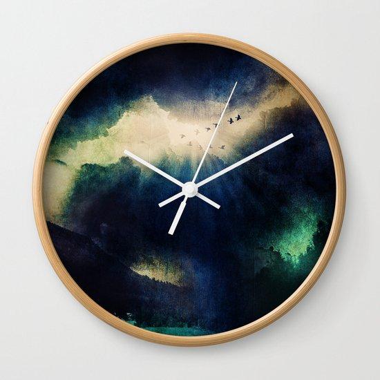 Tormenta negra. Wall Clock
