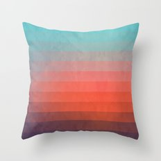 Blww wytxynng Throw Pillow