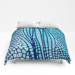 Wings of the dragon fly Comforters