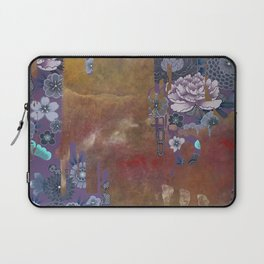 A NEWCOMER 02 Laptop Sleeve