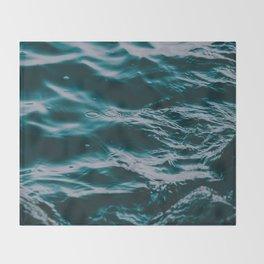 water waves Throw Blanket
