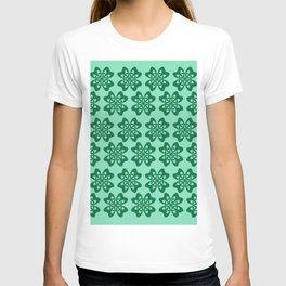 Irish Celtic Four Leaf Clover Pattern T-shirt