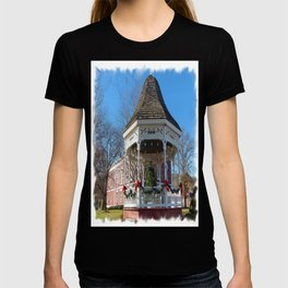 Gazebo & Courthouse Dressed for the Holidays T-shirt