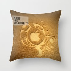 Are we alone ? Throw Pillow