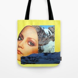 A Bird in Parallax Tote Bag
