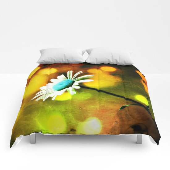 Turquoise Daisy In Gold Comforters