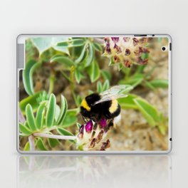 bumble bee on the dunes I Laptop & iPad Skin
